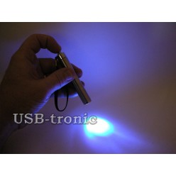 Карманный фонарик с белым и синим светом на батарейке ААА