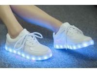 Светящиеся кроссовки - от 2999 руб!