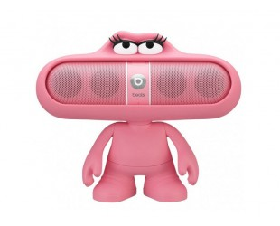 Розовая колонка Beats Pill Pink на подставке